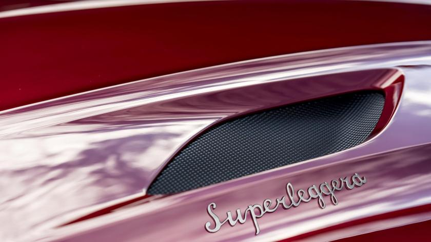 dbs_superleggera_01